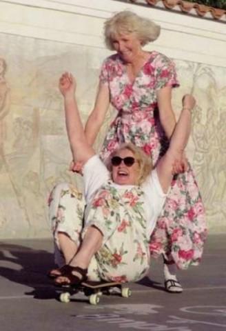фото пиздёнок бабушек и женщин